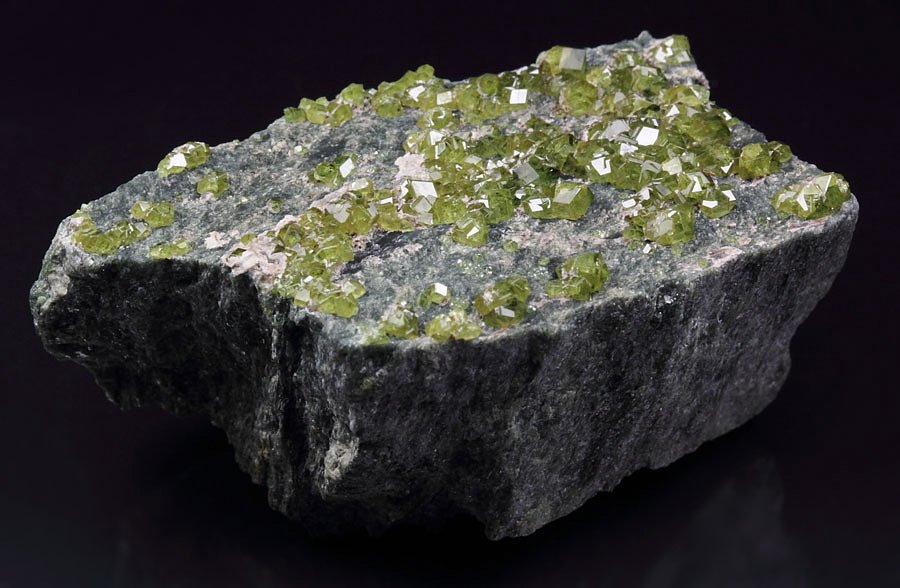 gem GARNET var. ANDRADITE var. DEMANTOID